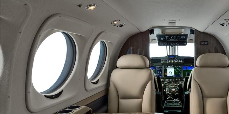 Textron Beechcraft C-90GTx